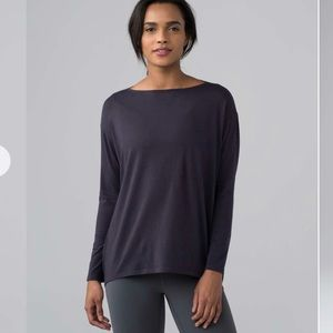 Lululemon Back in Action Long Sleeve Boysenberry 6